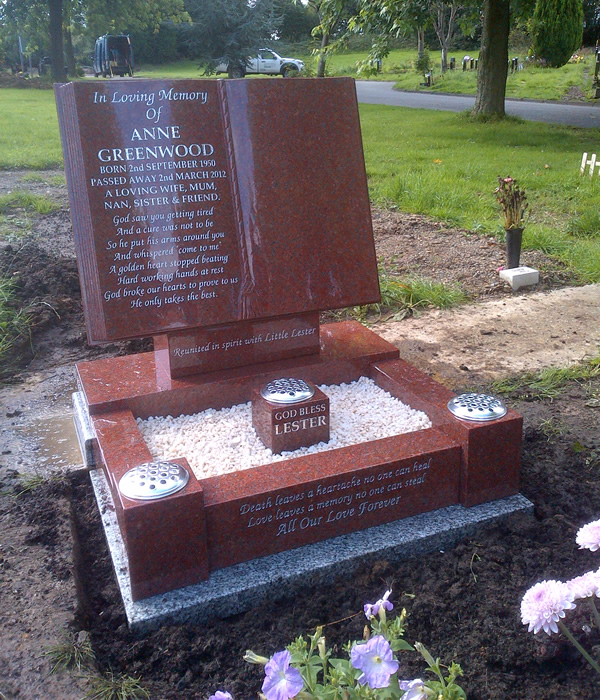 Manchester Memorials provide persoanlised designs